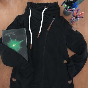 NWT Wanakome Hestia Sweatshirt in Black